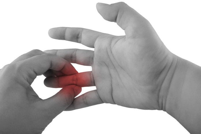 7 Reasons Your Fingers Are Swollen
