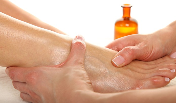 How To Use Essential Oils For Gout_10 Essential Oils For Arthritis and Gout Treatment