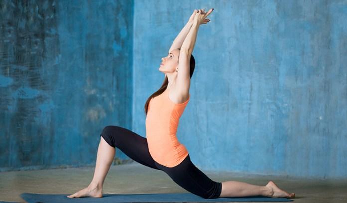 Lunge Pose (Anjaneyasana)_Yoga Poses For Cyclists