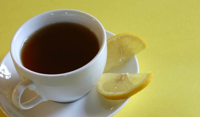 Black tea with lemon has rich vitamins and minerals