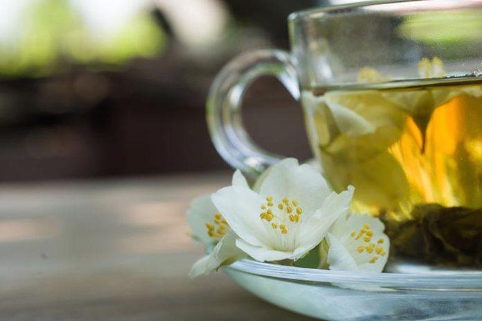 Jasmine Tea Soothes Sensitive Skin