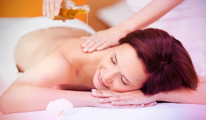 4-massage-with-warm-oil