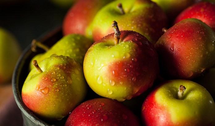 Apple suppresses hunger