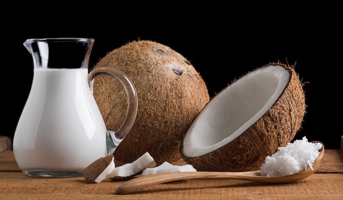 Coconut milk stimulates the hair follicles, thus increasing hair growth in alopecia.