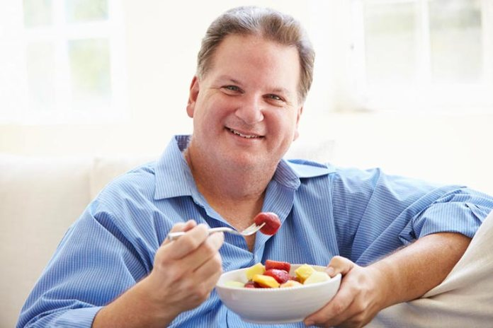 The daily recommended intake of fruit depends on numerous factors like gender, age, and daily physical activity.