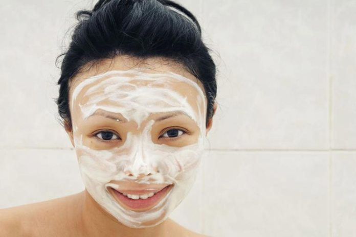 Avocado mask is good for dry skin