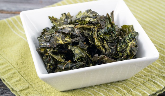 Kale chips are crispy and healthy night snack