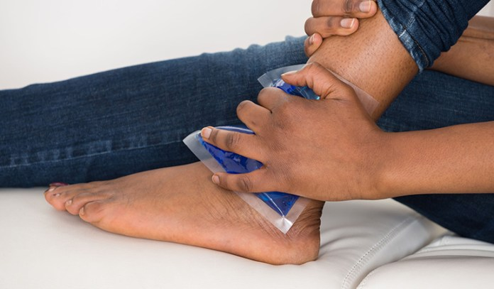 Get Rid Of Your Bruise Quickly With An Ice Pack