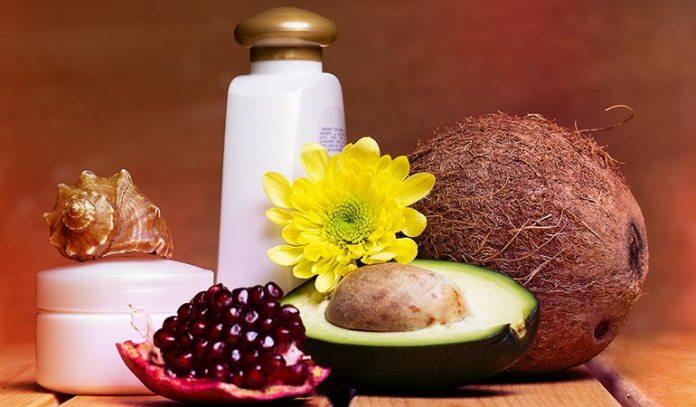 Avocado and coconut oil hair mask is helpful to treat dandruff