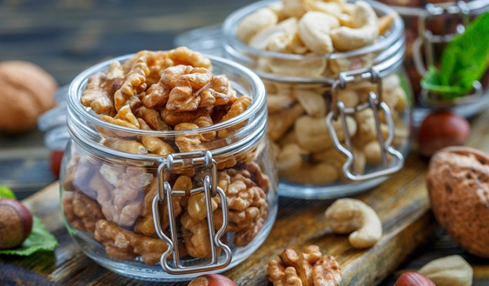 Walnuts and cashews boost sperm size and shape