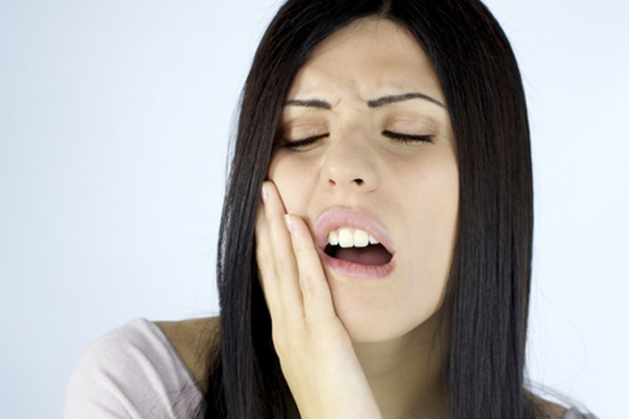 Constant Mouth Exposure To Digestive Acids Causes Tooth Sensitivity In Bulimic People