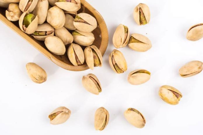 Monounsaturated fats are present in raw and roasted nuts