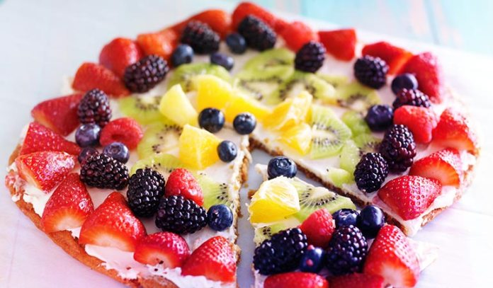 (Gluten and oil-free fruit pizza that uses almond milk)
