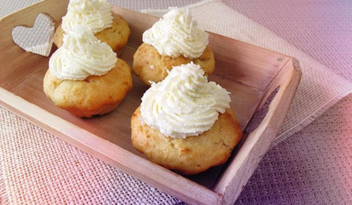 A dairy-free and healthy alternative to dairy and cream is coconut cream.)