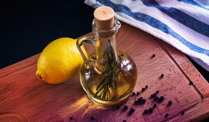 Olive oil is rich in antioxidants and lightens skin discoloration and dark patches