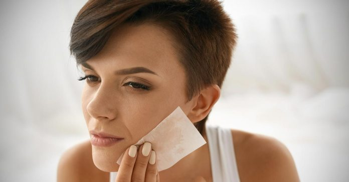 Oily skin is caused due to excess sebum production, pollution, dirt, etc.)