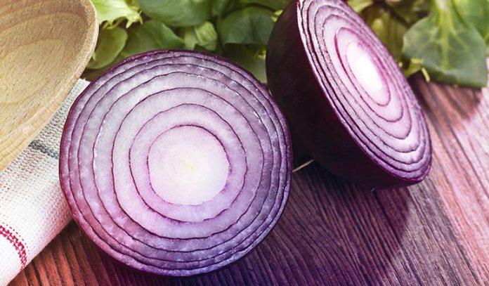 Onion has anti-inflammatory and antibacterial properties