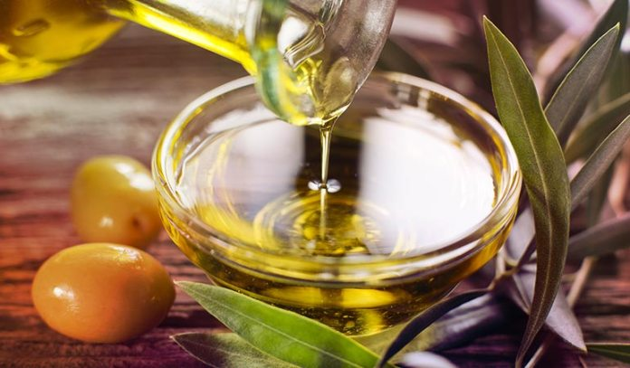 (Olive oil contains plenty of antioxidants and has anti-inflammatory properties