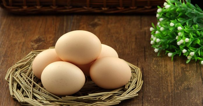 There are many healthy substitutes for eggs depending on the recipe we make.