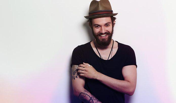 keeps beard soft and supple)