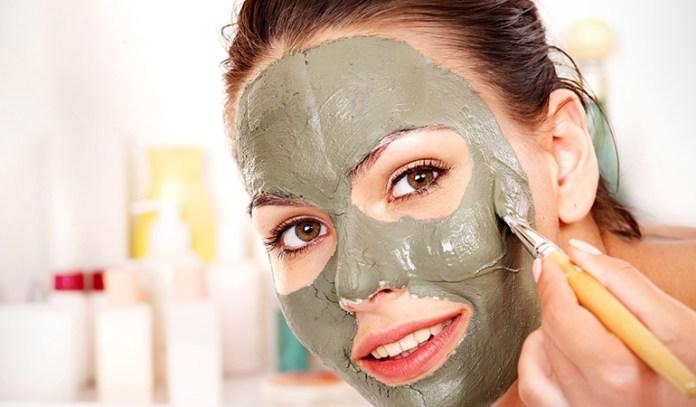 Bentonite Clay And Almond Oil Anti Wrinkle Eye Cream