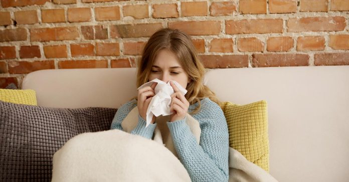 Simple, easy steps can prevent you from catching a cold.)