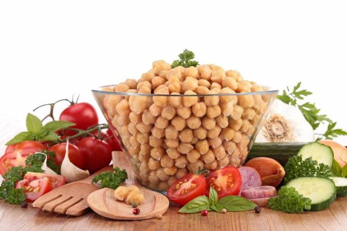 chickpea salad for a quick and refreshing meal