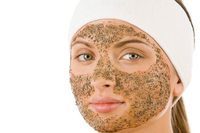 Homemade scrubs for the face are helpful to give an oil-free skin