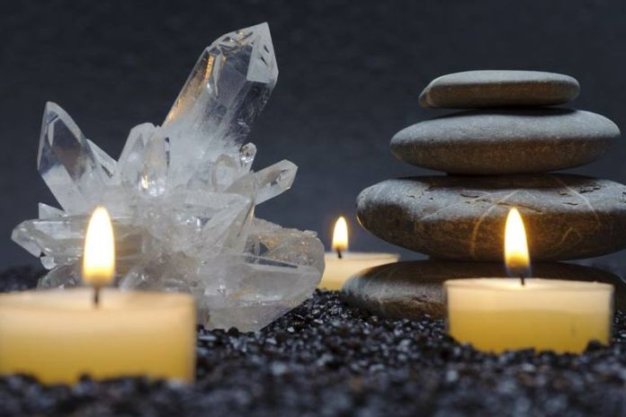 benefits of keeping quartz crystal in the house