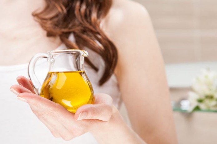 Olive oil helps soothe flare ups and treats dryness.