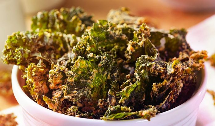 Try having green chips such as kale chips or sliced green vegetable chips.)