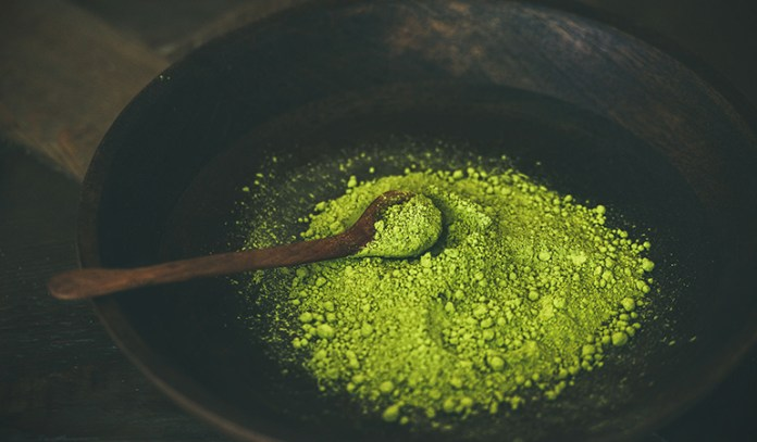 Green tea extract powder may cause dizziness, anxiety, and blood disorders
