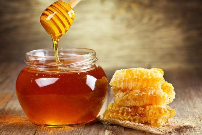 Honey is great to lighten your skin and prevent skin dullness