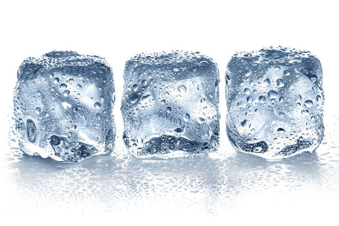Ice delivers a cold sensation that numbs itching and reduces swelling.
