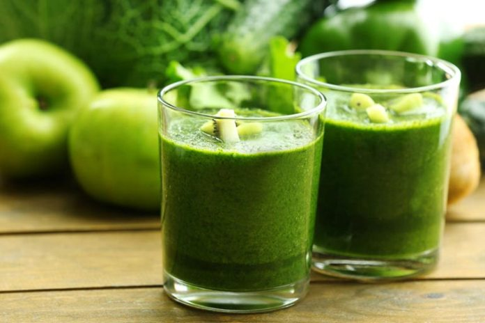 Smoothies are filled with nutrients and fiber and prevent bloating.