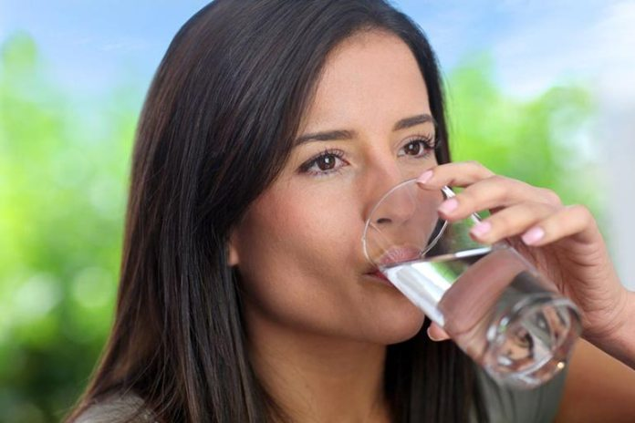 Water hydrates the body and the skin