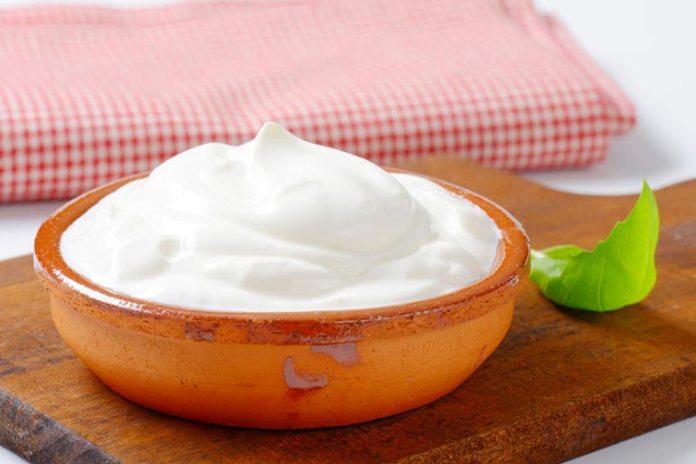 Plain Yogurt Can Lighten Dark Inner Thighs