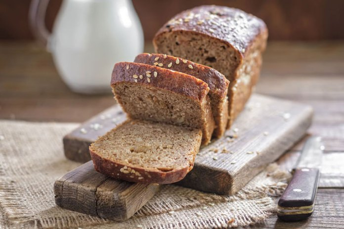 Whole grain bread has more fiber than white bread and is thus more nutritious and filling.