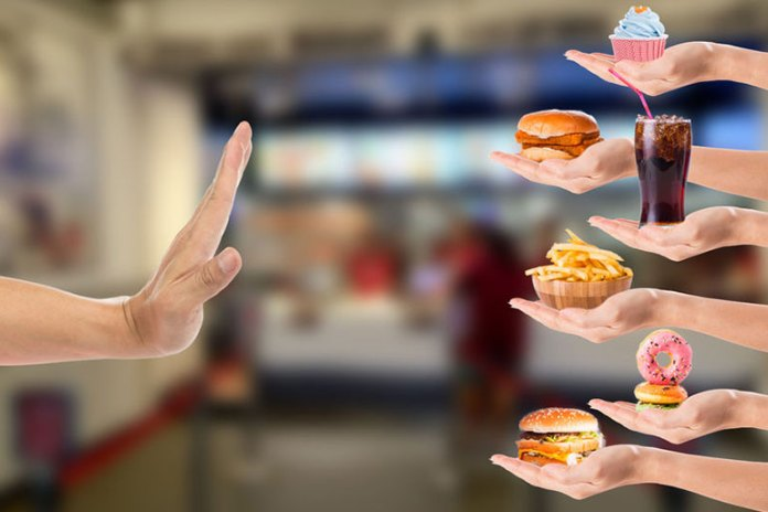 Avoid eating junk foods as they can aggravate psoriasis