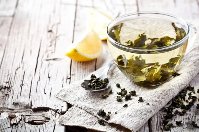 Green tea is an excellent antioxidant that helps with weight loss