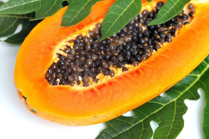 Papaya and papaya enzymes can reduce chest pain caused due to gas.