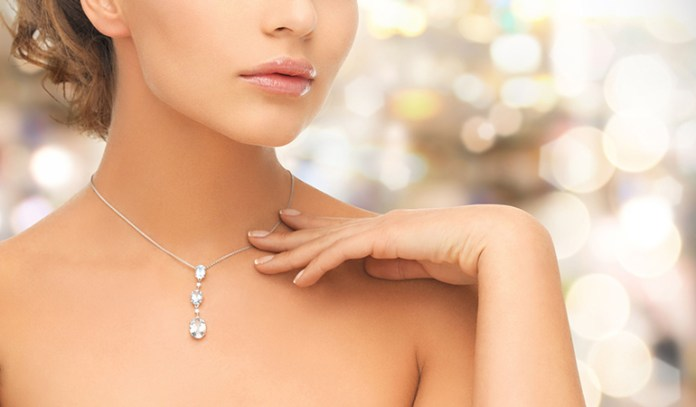 Crystal jewelry influences your energy levels and protects against negative energies