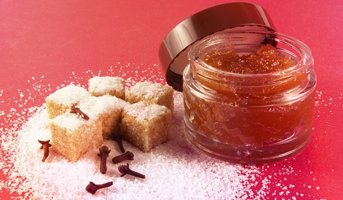rown sugar helps remove dead skin cells and whiteheads)