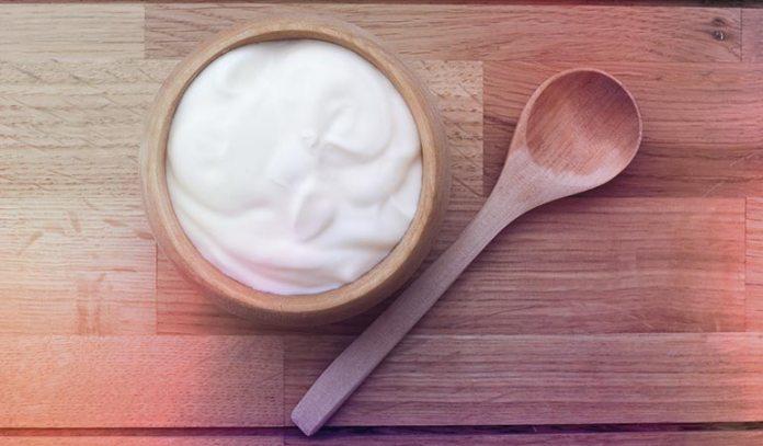 Greek yogurt and honey add moisture to your skin