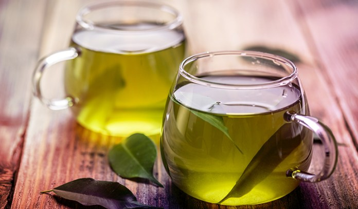 (Green tea contains an impressive amount of polyphenols.)