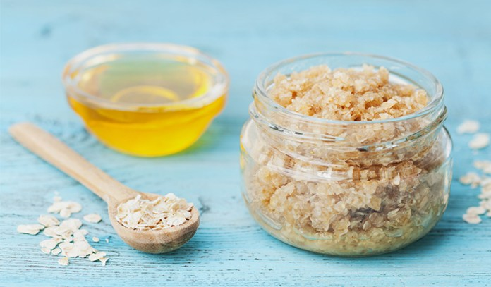 oatmeal scrub to exfoliate skin