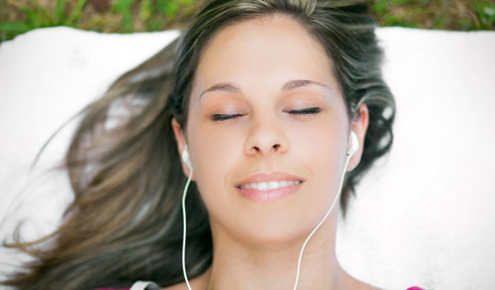 Auditory stimulation soothes the listener into slumber.