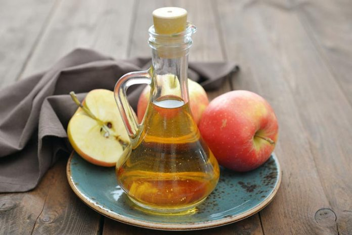 Apple cider vinegar reduces mucus and prevents the recurrence of throat polyps