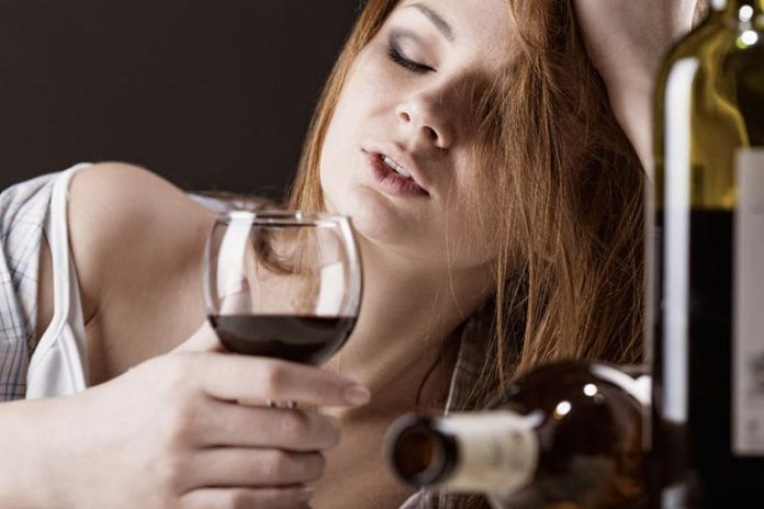 alcohol intake and skin aging