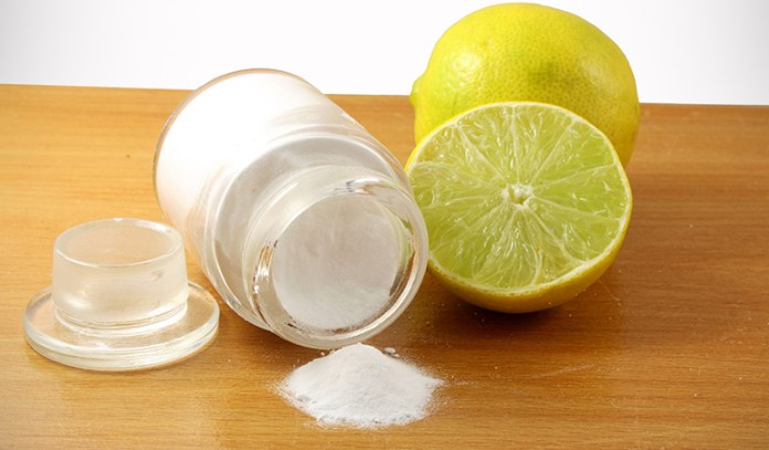 baking soda and lemon to make natural teeth whitener